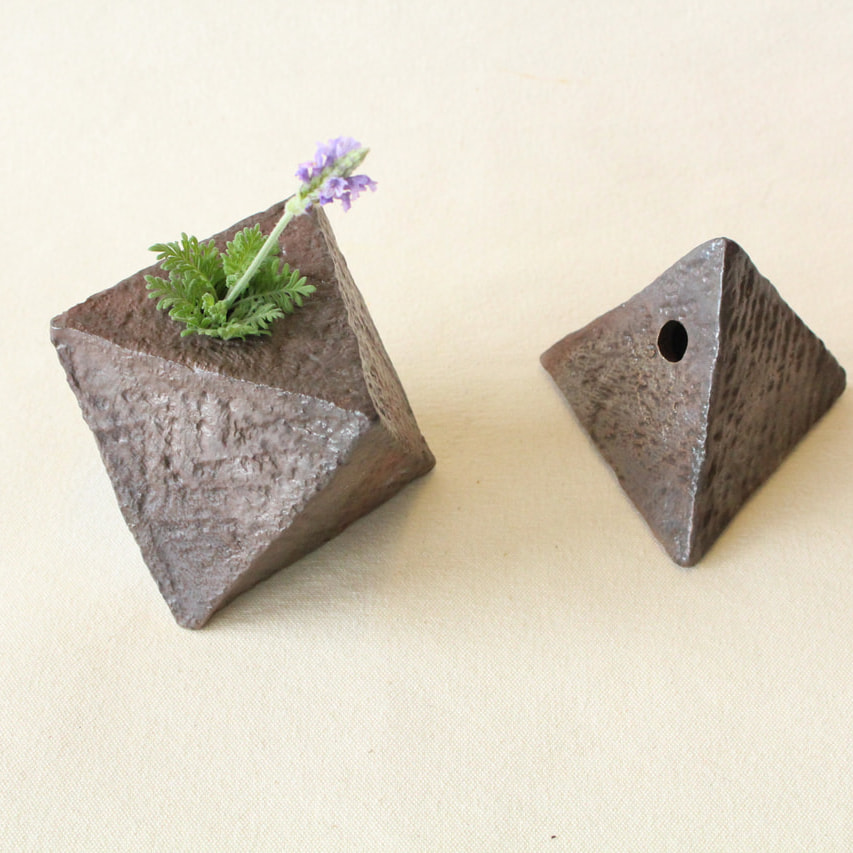 タタラ作りの花瓶